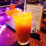 Tilasin Mango Tango nimisen alkoholittoman juoman. Maistui todella hyvältä. Vähän saman makuinen kuin solero jäätelö.